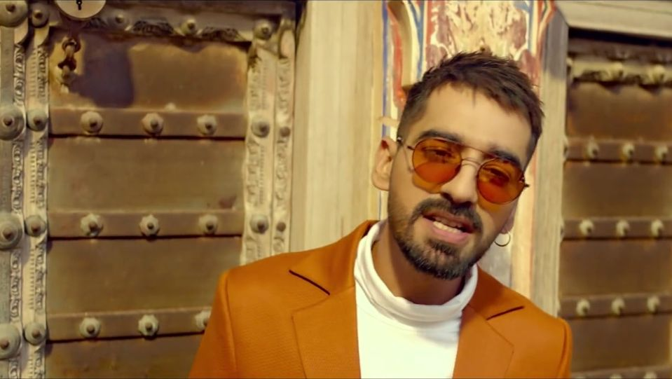 Celebrity Hairstyle Of Maninder Buttar From Laare Single 2019 Charmboard
